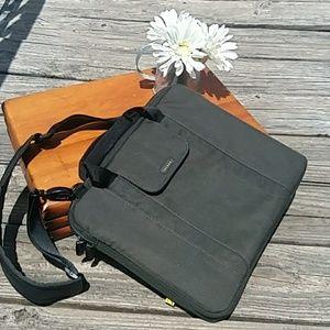 🕶👨💻Incase computer/tablet bag Inv#4/30👨💻🕶